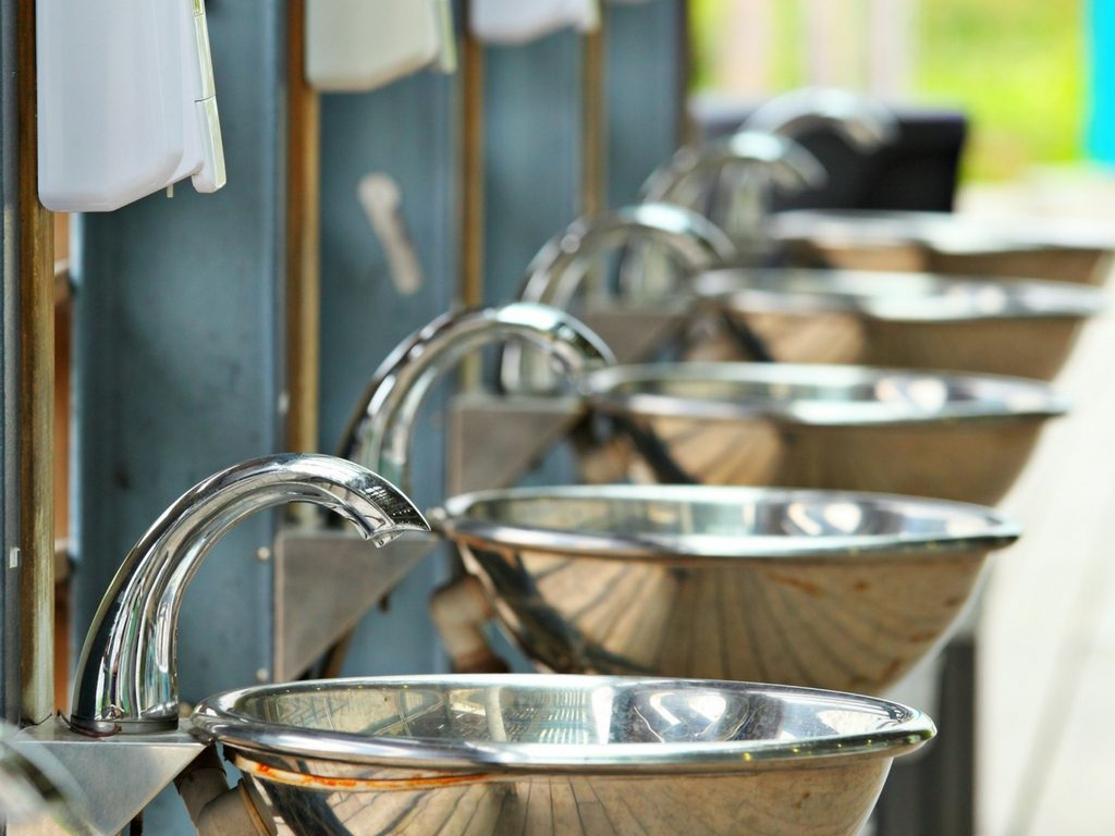 protectingfromgermsinpublicwashrooms